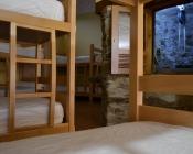 Habitacion del albergue y pozo
